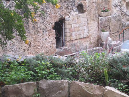 Day 08 - 12-Garden Tomb