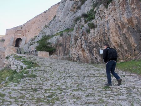 Day 3 - 02.Walking up to Acrocorinth
